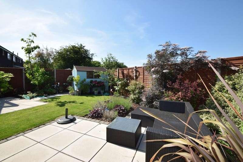3 Bedrooms Detached House for sale in Gordon Road, Windsor, SL4