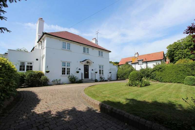 4 Bedrooms Detached House for sale in Granville Road, Walmer, CT14