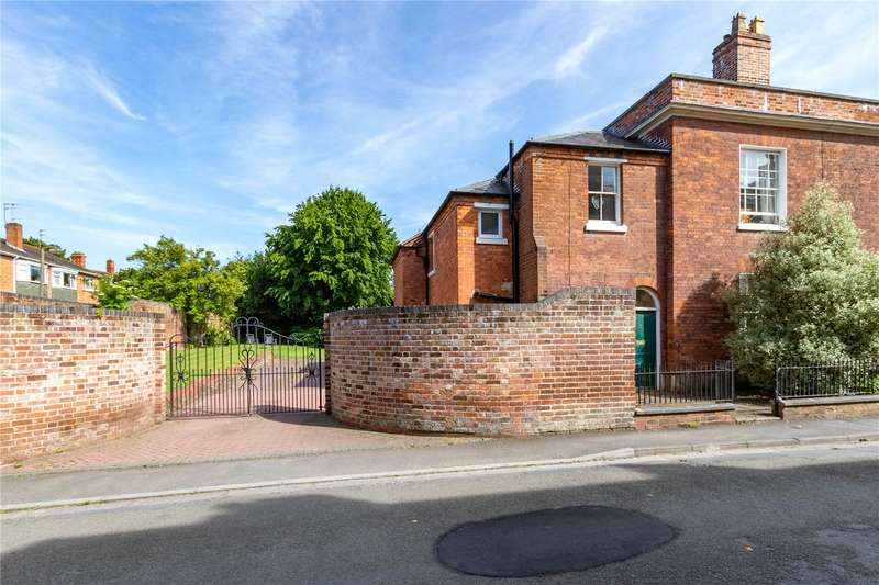 4 Bedrooms Property for sale in Green Hill London Road Worcester WR5