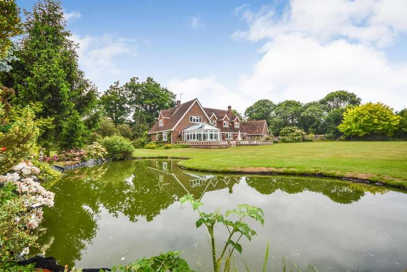 4 Bedrooms Detached House for sale in Crabbs Hill, Hatfield Peverel