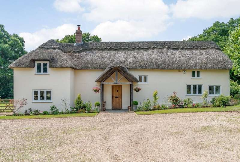 4 Bedrooms Cottage House for sale in Holt Heath , Wimborne