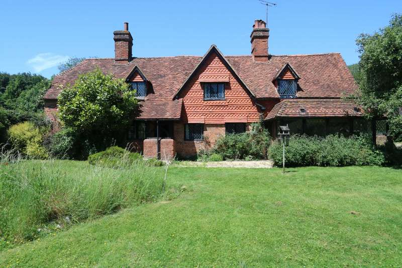 5 Bedrooms Detached House for sale in Buckhold, Pangbourne
