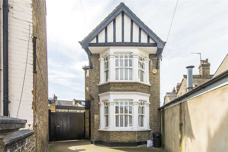 3 Bedrooms Detached House for sale in Atheldene Road, London, SW18