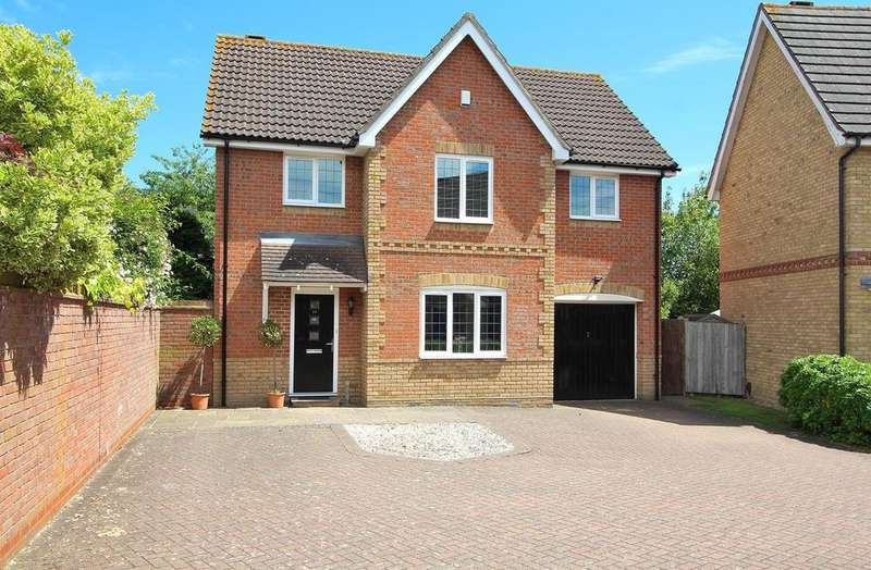 4 Bedrooms Detached House for sale in Ridgewell Avenue, Chelmsford, Essex, CM1