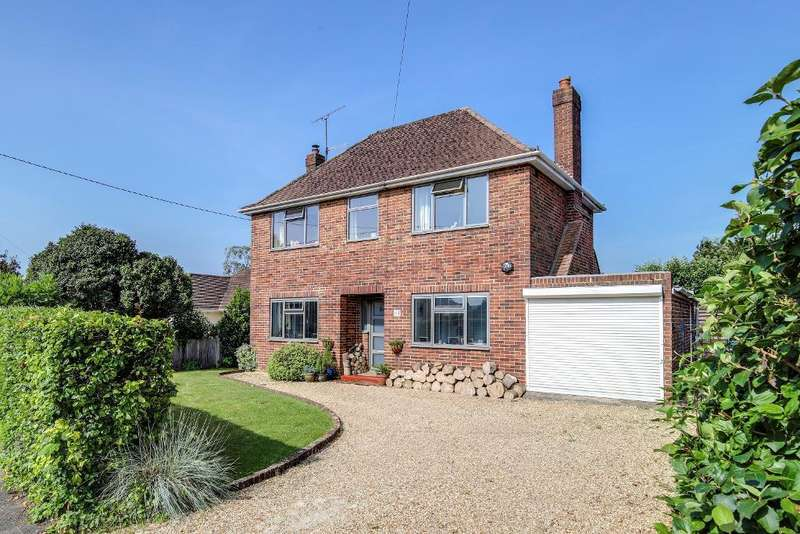 3 Bedrooms Detached House for sale in Kings Stone Avenue, Steyning, West Sussex, BN44 3FJ