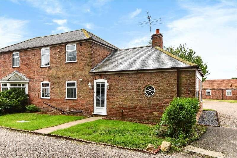 2 Bedrooms End Of Terrace House for sale in Tytton Court, Tytton Lane East, PE21
