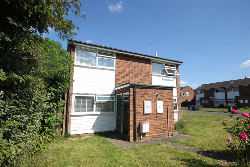 2 Bedrooms Maisonette Flat for sale in Glenmere Close, Cambridge