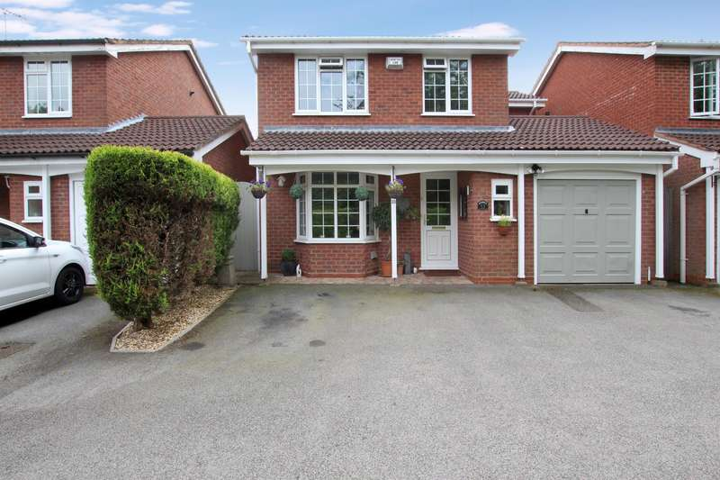 4 Bedrooms Detached House for sale in Peterbrook Close, Oakenshaw, Redditch, B98 7YF