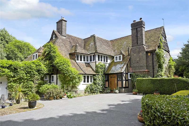 6 Bedrooms Detached House for sale in Walpole Avenue, Chipstead, Surrey, CR5