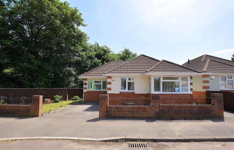 2 Bedrooms Detached Bungalow for sale in Hyde Road, Bournemouth