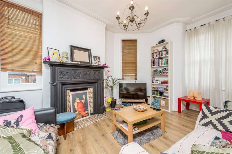 3 Bedrooms House for sale in Holmbury View, Clapton, Hackney, London, E5
