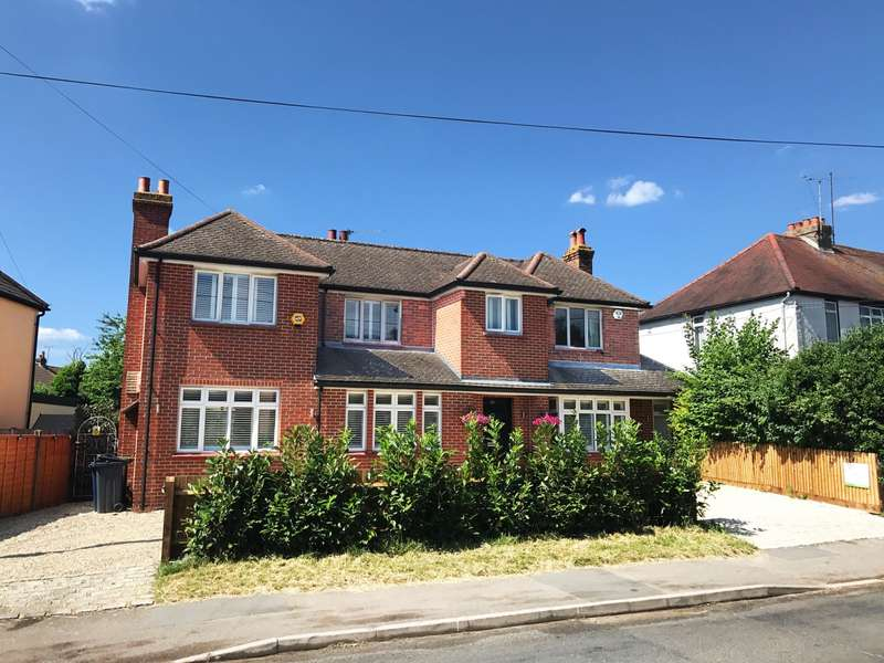 4 Bedrooms Detached House for sale in Northern Woods, Flackwell Heath, HP10