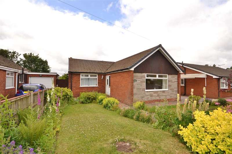 3 Bedrooms Bungalow for sale in Lower Hill Drive, Heath Charnock, Chorley