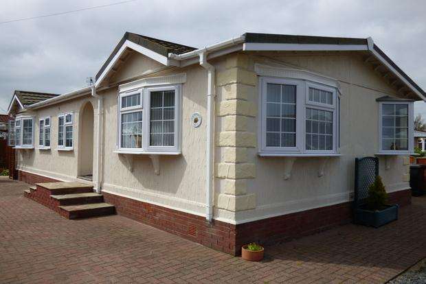3 Bedrooms Park Home Mobile Home for sale in Kingfisher Drive, Beacon Park Home Village, Skegness, PE25