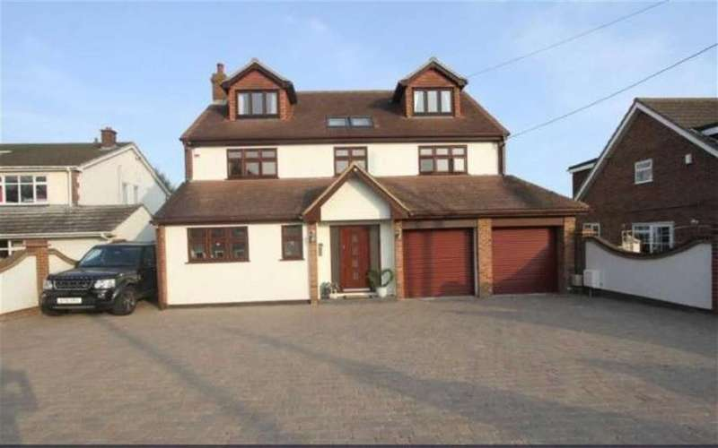 5 Bedrooms Detached House for sale in Crays Hill, Billericay