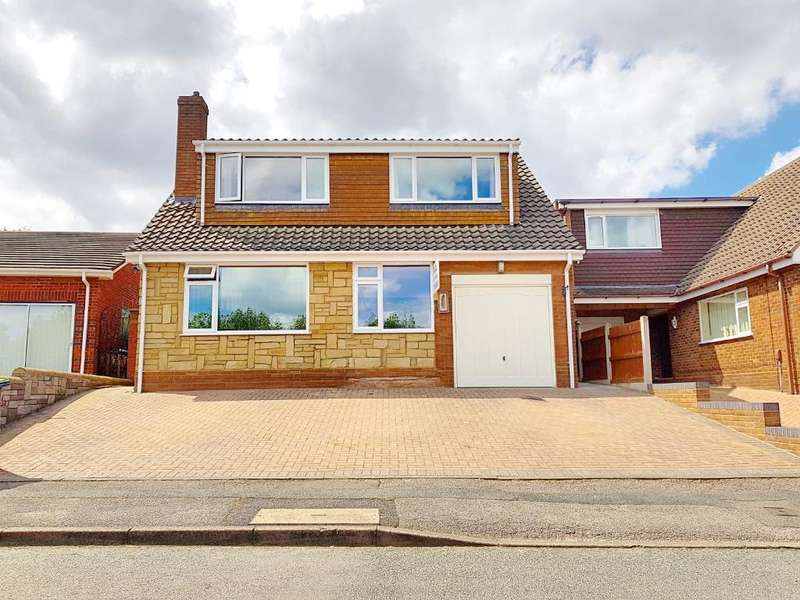 3 Bedrooms Detached House for sale in WARSTONE DRIVE, WEST BROMWICH, WEST MIDLANDS, B71 4BH