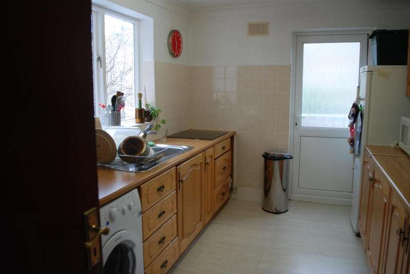 3 Bedrooms Maisonette Flat for sale in Farleigh Road, Stoke Newington N16
