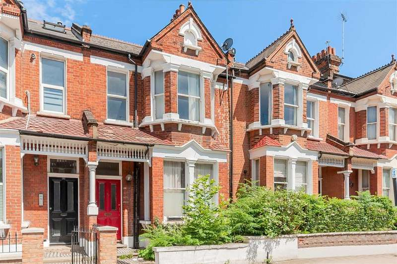 3 Bedrooms Flat for sale in Killyon Road, London