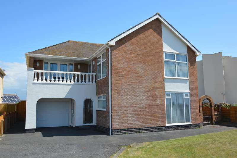 4 Bedrooms Detached House for sale in Queens Promenade, Thornton Cleveleys, FY5 1QT
