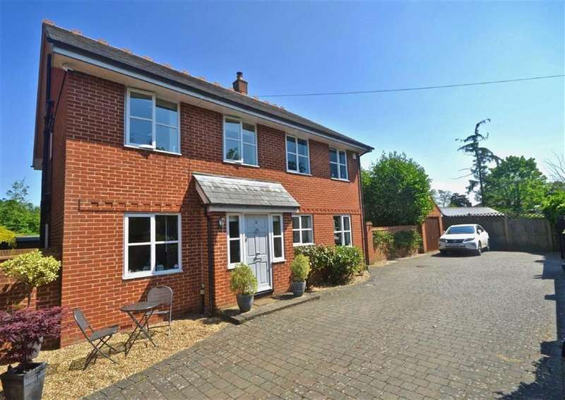 5 Bedrooms Detached House for sale in Monarch Walk, Shenley, Herts