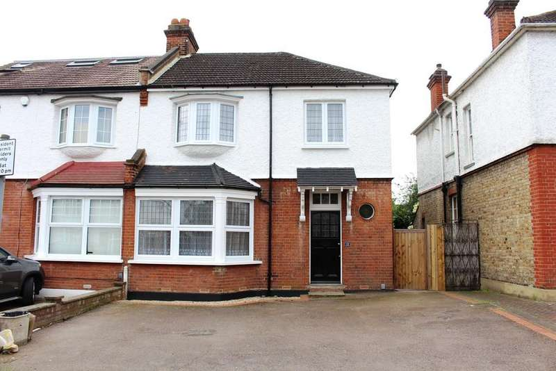 4 Bedrooms Semi Detached House for sale in Queens Road, Enfield, EN1