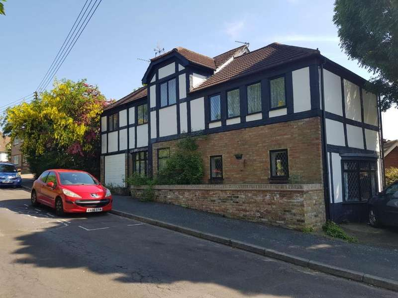 4 Bedrooms Detached House for sale in Maude Road Swanley BR8