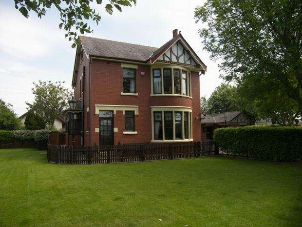 5 Bedrooms Detached House for sale in Sandy Lane Marton Blackpool