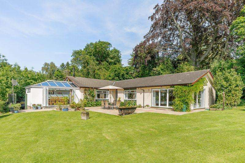 5 Bedrooms Bungalow for sale in HAMPTON PARK