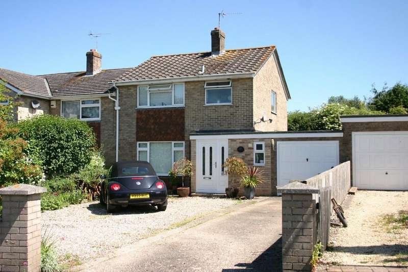 3 Bedrooms Semi Detached House for sale in Homefield Way, Hungerford