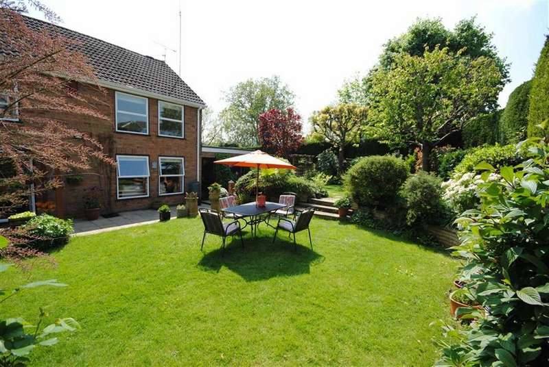 4 Bedrooms Detached House for sale in Derwent Road, Linslade, Leighton Buzzard