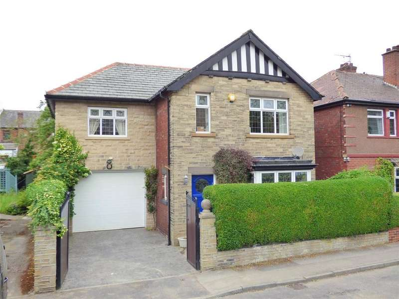 4 Bedrooms Detached House for sale in Bramhope Road, Cleckheaton, BD19