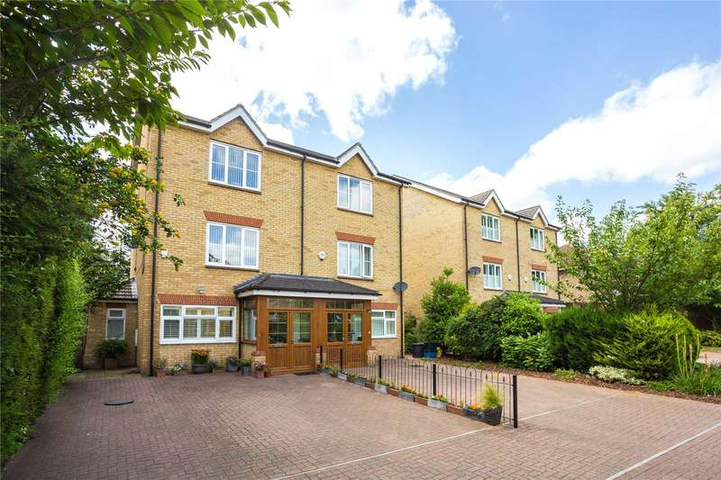 4 Bedrooms Semi Detached House for sale in Queen Mary Villas, Fieldhouse Close, London