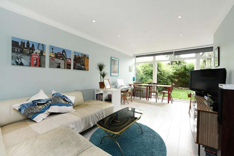 4 Bedrooms Terraced Bungalow for sale in Inglesham Walk, London