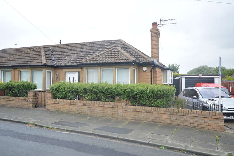 2 Bedrooms Semi Detached Bungalow for sale in Whalley Lane, Marton
