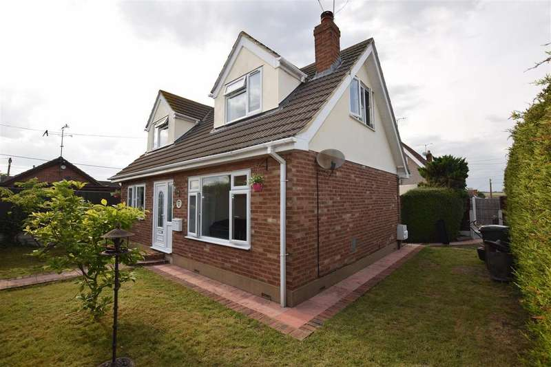 4 Bedrooms Chalet House for sale in Newlands Road, Canvey Island