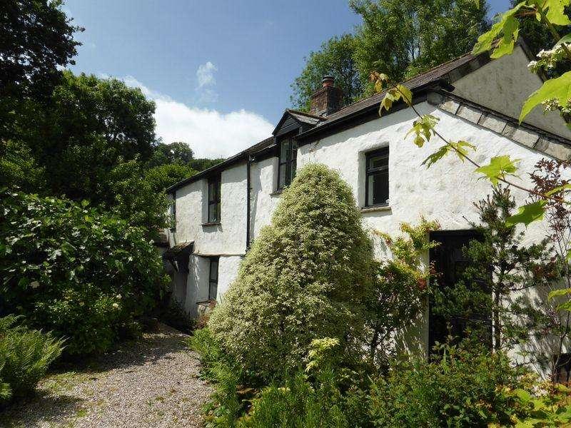 3 Bedrooms Cottage House for sale in Dark Lane , Lostwithiel