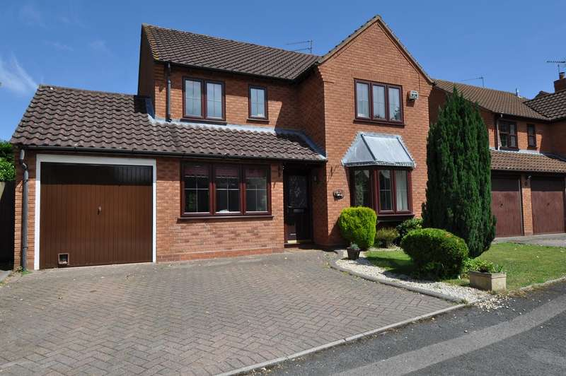 4 Bedrooms Detached House for sale in Otter Close, Redditch, B98