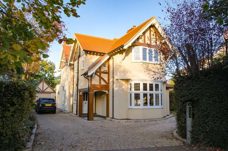 4 Bedrooms Detached House for sale in Orchehill Avenue, Gerrards Cross, SL9