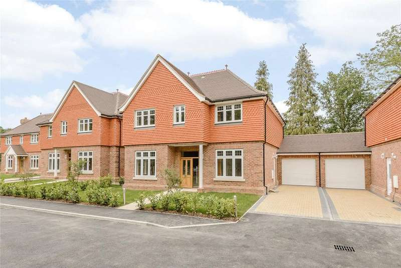 4 Bedrooms Detached House for sale in Fern Gardens, London Road, Bracknell, Berkshire, RG12
