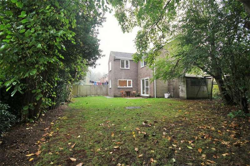 4 Bedrooms Detached House for sale in Byron Avenue, Lexden, Colchester, Essex