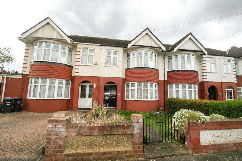 3 Bedrooms Terraced House for sale in WINCHMORE HILL