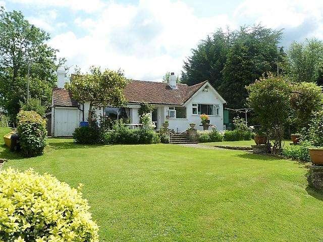 4 Bedrooms Detached House for sale in Street End Lane, Broad Oak, East Sussex, TN21 8TU