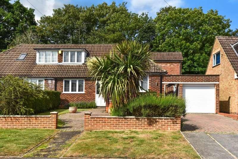 4 Bedrooms Bungalow for sale in Mason Place, Little Sandhurst, GU47