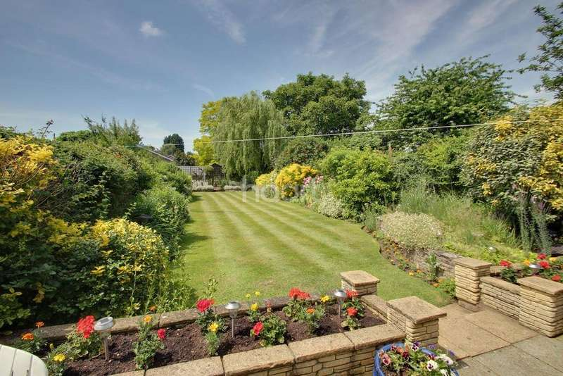 3 Bedrooms Chalet House for sale in Orchard Close, Eaton Ford