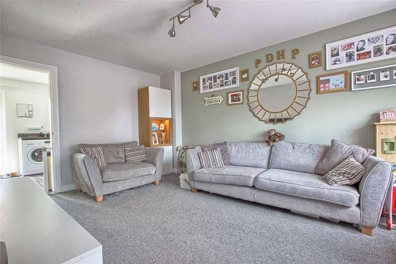 3 Bedrooms End Of Terrace House for sale in Mablethorpe Close, Redcar