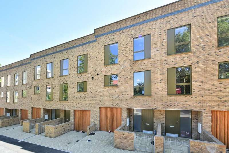 3 Bedrooms Town House for sale in Buckley Mews, Forest Hill