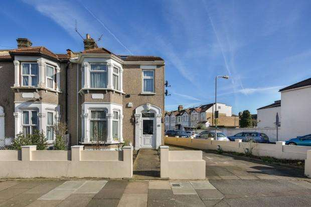 4 Bedrooms Semi Detached House for sale in WANSTEAD PARK RD, ILFORD Wanstead Park Road, Ilford, IG1