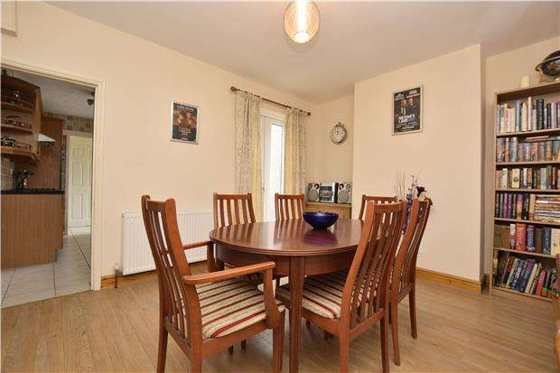 2 Bedrooms Terraced House for sale in King Street, Kingswood, BS15 1DL