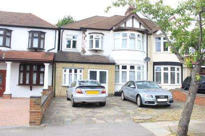 4 Bedrooms House for sale in Ilford, Essex