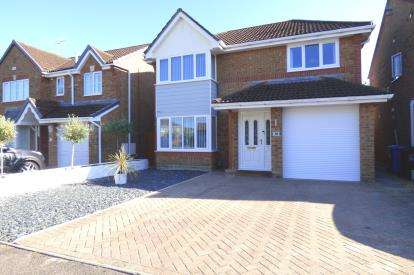 4 Bedrooms Detached House for sale in West Canford Heath, Poole, Dorset